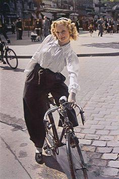 Parisien | Cours de Vincennes, 1941