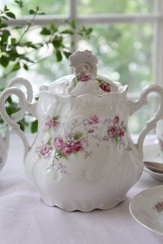 Charming rose sugar bowl