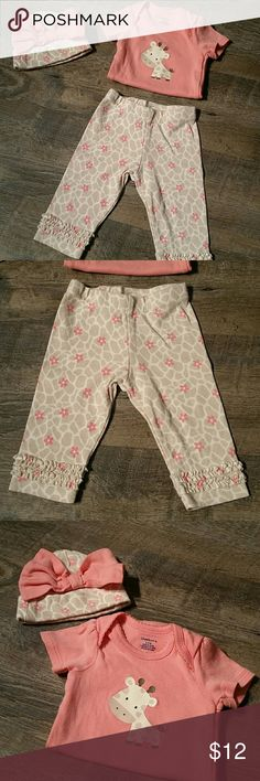 Giraffe 3 Piece Outfit Great condition! Matching Sets
