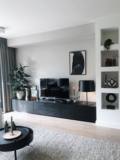 Brilliant Solution Small Apartment Living Room Decor Ideas And Remodel ~ Home Design Ideas Small Apartment Living, Home Living Room, Small Apartment Interior Design, Barn Living, Living Room Remodel, Cozy Living, Small Apartments, Room Interior, Living Spaces