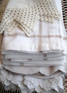 Linen and crochet dollie Linen Pillows, Linen Fabric, Linen Bedding, Bedding Sets, Beige Bed Linen, Linen Cupboard, Linens And Lace, Vintage Textiles, Vintage Lace