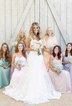 Bridal Party Pose Ideas | Wedding Photography | Bridesmaids | Bride