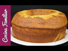 Dentro de la amplia gama de bizcochos que existen, este es uno de los que más me gustan y es, cómo no, porque lleva leche condensada. Pan Dulce, New Recipes, Cake Recipes, Favorite Recipes, Filet Mignon Chorizo, Condensed Milk Cake, Sweets Cake, Bread Cake, Almond Cakes