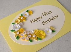 Handmade quilled 60e verjaardag wenskaarten - maar deze kaart kan worden gemaakt voor elke leeftijd. Kies als u koopt of stuur me een bericht.  Een mooie quilled kaart met filigraan bloemen in de tinten van citroen en wit - perfect voor het helpen van iemand een speciale verjaardag vieren te coördineren.  Deze kaart kan gepersonaliseerd worden met elke leeftijd zonder extra kosten. Laat me weten in de toelichting op verkoper sectie aan de kassa. Ook als u een andere kleurkeuze.  Deze mooie…