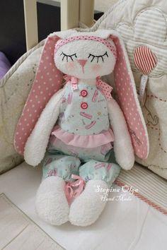 Telas y lanas para los juguetes, muñecas, etc. Tilde.   VK