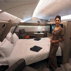Where would you travel in this Singapore Airlines First Class Suite? Tag your travel partner! Luxury Boat, Luxury Jets, Luxury Private Jets, Private Plane, Luxury Travel, Jets Privés De Luxe, Home Decor Instagram, Private Jet Interior, Flying First Class