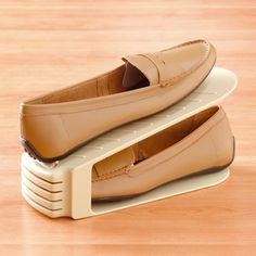 1000 images about rangements chaussures on pinterest. Black Bedroom Furniture Sets. Home Design Ideas