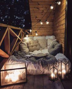Possible sur un petit balcon parisien de ? 🤷♀️🤞SO Balkon - Balkon - Design Sweet Home, Cute Room Decor, Teen Room Decor, Cozy Room, Cozy Reading Rooms, Corner Reading Nooks, Aesthetic Rooms, Dream Rooms, House Rooms