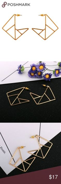 New, gold plated geometric stud earrings New in packet, hollow gold plated geometric stud earrings. Metal push backs. For measurements see photos. Gold Hair Accessories, Fashion Tips, Fashion Design, Fashion Trends, Plating, Women Jewelry, Shop My, Stud Earrings, Vintage