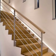 Interior Stair Railing, Balcony Railing Design, Stair Decor, Staircase Railings, Staircase Design, Bedroom Door Design, Stairs Architecture, Modern Stairs, House Stairs