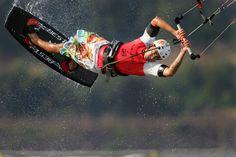 Kitesurfing ColumbiaRiver - Kitesurfing – Wikipedia, wolna encyklopedia