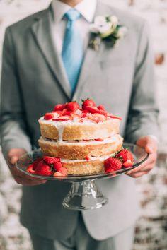 Um, delish!! #cake Photography: Emily Delamater - emilydelamaterphotography.com