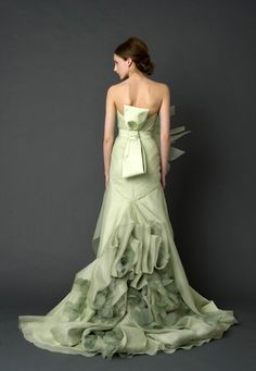 Vera Wang.  Pale Green Wedding Dress.  Love the colour. Love the Obi bow!  I CAN GET MARRIED NOW.... IVE ALWAYS HATED WHITE....
