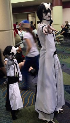 Parenting: Youre doing it right! Mini Ulquiorra (Bleach) cosplay