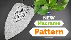 New macrame feather pattern for you to make. This easy macrame tutorial is here because a lot of you love to make macrame feathers. Micro Macrame Tutorial, Magic Knot, Feather Pattern, Macrame Patterns, Macrame Knots, Etsy Shop, Wall, Diy, Modern