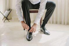 American Wedding  www.romeosyjulietas.es  Foto de Love Me Tender  www.lovemetenderphoto.com  #shoes #groom