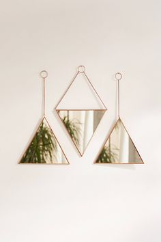 Triangle Mirror Set - New Deko Sites Living Room Designs, Living Room Decor, Bedroom Decor, Cheap Home Decor, Diy Home Decor, Decor Interior Design, Interior Decorating, Design Interiors, Triangle Mirror