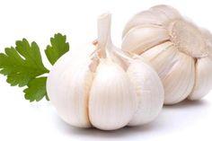 7 Obat Sakit Gigi Tradisional dari Bahan Alami Raw Garlic Health Benefits d56a9ecd45