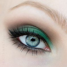 Dressed in Mint: •Make Up