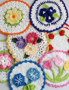 Picture of Floral Bouquet of Dishcloths Set 2 Crochet Pattern