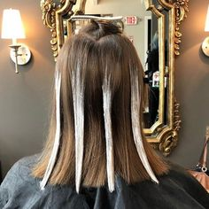 Use These Quick Balayage Tips For A Faster Color Application - Use These Quick Balayage Tips For A Faster Color Application At The Salon Lightener Placement And Pre Sectioning Help To Speed Up Your Process For Maximum Results With Minimum Effort Balayage Hair Brunette Short, Ombre Blond, Hair Color Balayage, Hair Highlights, Balayage Diy, Diy Balayage At Home, How To Bayalage Hair, Balayage Hair Tutorial, Balayage Technique