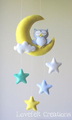 Baby mobile – Owl mobile – Crib Mobile Owl – Baby Mobile Stars - All About Baby Crafts, Felt Crafts, Diy And Crafts, Sewing Projects, Projects To Try, Diy Bebe, Baby Owls, Felt Toys, Baby Room Decor