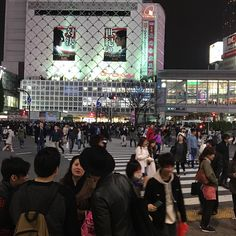Sunday night at #shibuyacrossing  Busy as usual