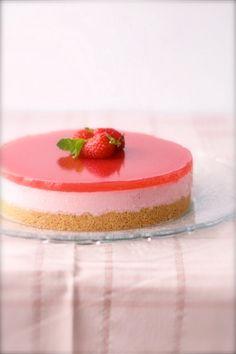 Pink power: fresh strawberry cheesecake #homemade