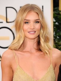 Golden Globes 2016: The Best Hair and Makeup Moments | People - Rosie Huntington-Whiteley's bronze skin and perfect golden blonde hair