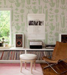 makelike (a shop) Pointy Wallpaper : Lt. Grey/Green