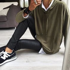 Perfect casual @jewelryjournal  @banso73 ➖Shop in our link in bio