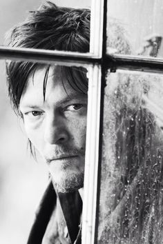 I seriously wouldn't mind him peeking in my window. Just sayin'.
