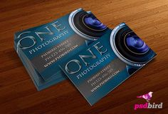Modern free business card templates for photographers, available for download as PSD file thanks to psdbird.
