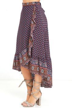 The open road is where the Roaming Nomad Navy Blue Print High-Low Wrap Skirt feels most at home! Mesmerizing print decorates this breezy wrap skirt with a high-low hem. Modest Fashion, Boho Fashion, Fashion Dresses, Blouse And Skirt, Dress Skirt, Dress Shoes, Shoes Heels, Pretty Outfits, Cool Outfits