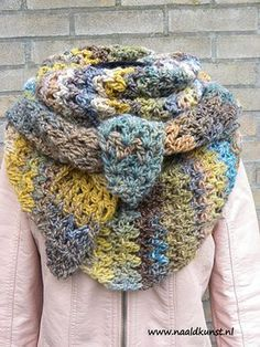 Crochet Poncho, Crochet Scarves, Crochet Clothes, Adele, Wrap, Homemade, Knitting, Creative, Crafts