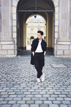 Spring. H&M Studio SS 2016 Jacket / AIGNER munich Bag www.frank-lin.de