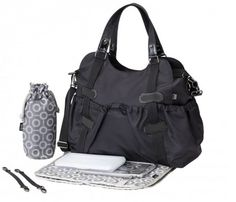 The Black Elastic Pocket Tote Diaper Bag from OiOi is a large diaper bag with lots of compartments so parents can sort and organize baby essentials. Boy Diaper Bags, Black Diaper Bag, Large Diaper Bags, Nappy Bags, Changing Bag, Step Kids, Balenciaga City Bag, Online Bags, Baby Gear