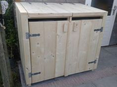 Steigerhouten kliko ombouw, mooi om de containers achter te verbergen!