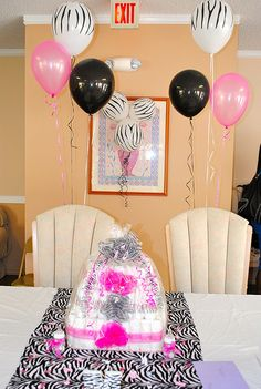zebra baby shower.... Want this if I have a Girl!!!