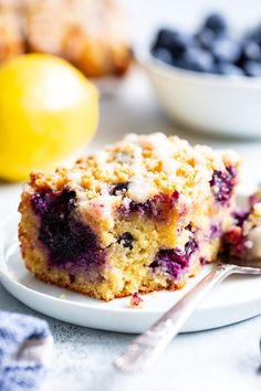 This Lemon Blueberry Coffee Cake is bursting with fresh lemon flavor and juicy blueberries. It's gluten-free, dairy-free and paleo! Gluten Free Cakes, Gluten Free Baking, Gluten Free Desserts, Healthy Baking, Lemon Blueberry Muffins, Gluten Free Blueberry, Blueberry Cake, Paleo Coffee Cake, Gluten Free Coffee Cake