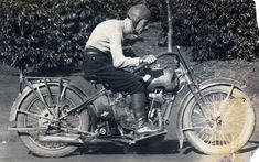 Constante Ceccarelli, pioneiro do motocyclismo no Brasil... Campinas, SP, anos 1920 Motorcycle, Vehicles, 1920s, Campinas, Brazil, Motorcycles, Car, Motorbikes, Choppers