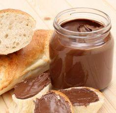 Υλικά  80 γρ. Κακάο  180 γρ. ζάχαρη άχνη  100 γρ. βιτάμ  1 ζαχαρούχο γάλα τριμμένο φουντούκι (προαιρετικά) Pretzel Bites, Tart, Peanut Butter, Sandwiches, Deserts, Rolls, Pie, Sweets, Bread