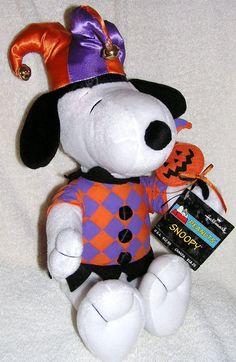 "Amazon.com: Hallmark Peanuts 15"" Plush Halloween Jester Snoopy Doll: Toys & Games"