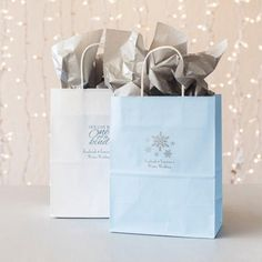 For guests coming from further, offering them a welcome favor bag is truly appreciated. Fill these winter themed personalized gift bags with practical gift items to help them feel at home in their hotel room. Christmas Wedding Favors, Winter Wedding Favors, Elegant Wedding Favors, Edible Wedding Favors, Winter Wedding Decorations, Wedding Favor Bags, Wedding Ideas, Winter Weddings, Wedding Cake Boxes