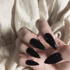 Easy Nail Designs of 2019 – beautiful nails designs pictures Cute Nails, Pretty Nails, Hair And Nails, My Nails, Glitter Nails, Yennefer Of Vengerberg, Manicure Y Pedicure, Perfect Nails, Nail Inspo
