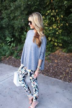Spring outfit idea with floral pants, sweater and heels #fashion #style #inspiration