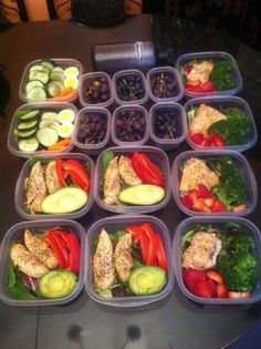 Meal prep for week - so smart! Grilled or Baked chicken breast, skinless & boneless, avocado, Broccoli, peppers, grapes, cucumbers, and etc.