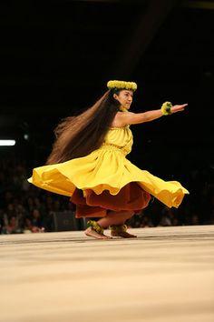 Merrie Monarch Festival 2014 - Miss Aloha - Kelly World Polynesian Dance, Polynesian Culture, Hawaii Hula, Aloha Hawaii, Hawaiian Dancers, Hawaiian Girls, Musical Hair, Hula Skirt, Hula Dancers
