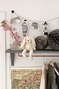 Cute styling in a kids bedroom #styling #kidsbedroominspiration