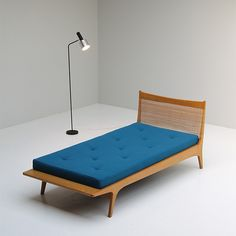 Jos de Mey; Oak and Cane Daybed for Berghe Pauvers, 1960s.